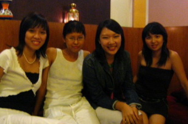 Hanging out with @lisatwang and two other friends during my uni years: I'm the second one from the left.