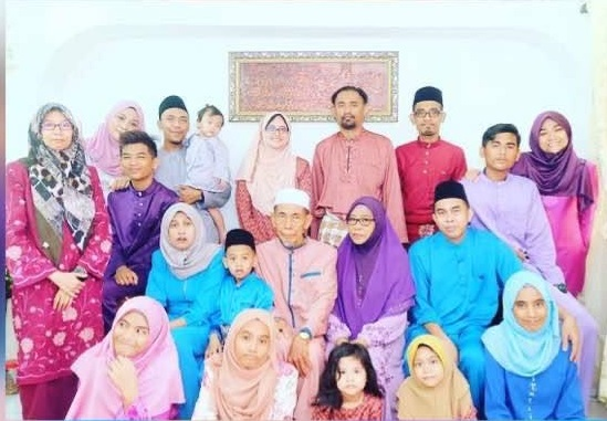 My family and I during our 2018 Hari Raya celebration.