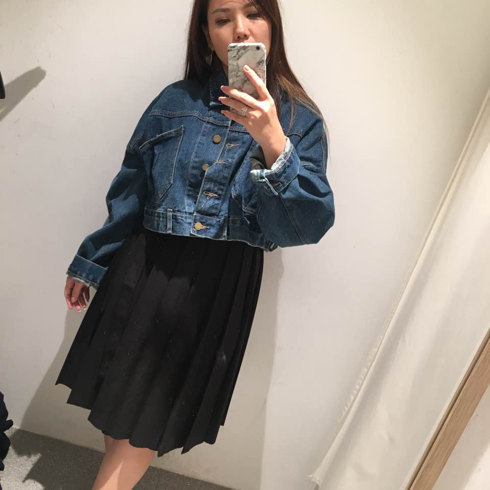 e7929e295e6 tried this crop oversize denim jacket. Wearing size M and i got size S.  Recently i love shopping at TEM bcos ...