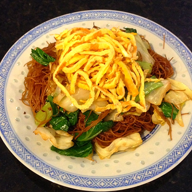 Economy Style Fried Bee Hoon Recipe (炒经济米粉) - coasterkitchen - Dayre