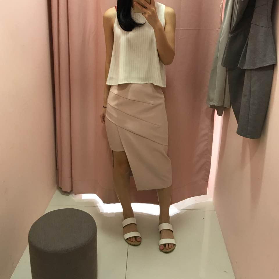 cf2019bd1 Eden Midi Skirt in mauve. This is so pretty! And really comfy too.