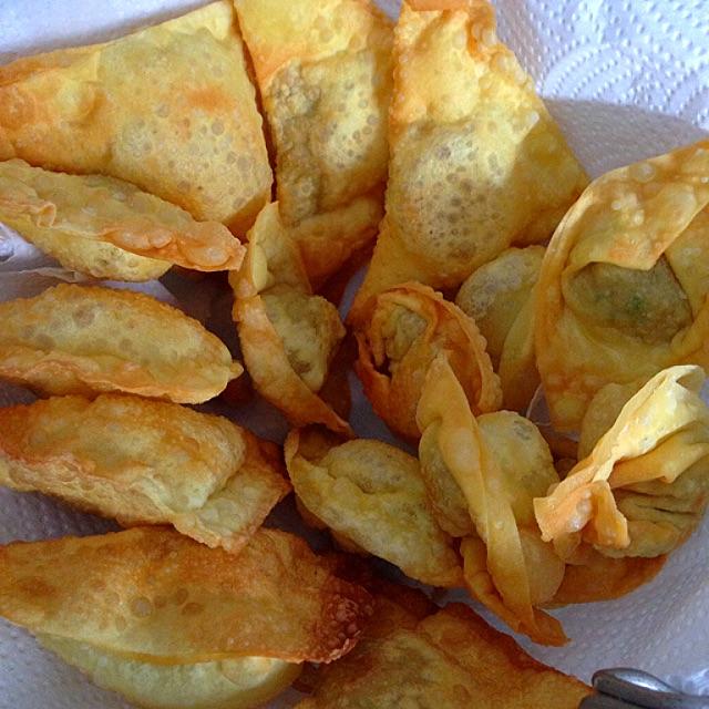 Deep Fried Pork Wontons Recipe (炸猪🐷肉云吞