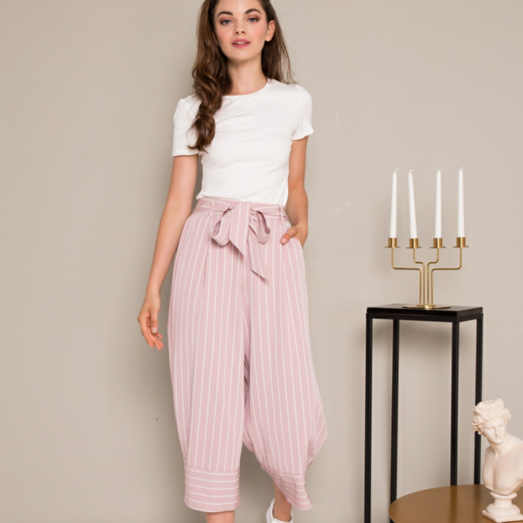 125d9ea808 Don't miss out on this irresistably cute Dusty Pink paperbag culottes!  Dress up by matching with a smart top, or dress down with a monochrome tee!  ✌️