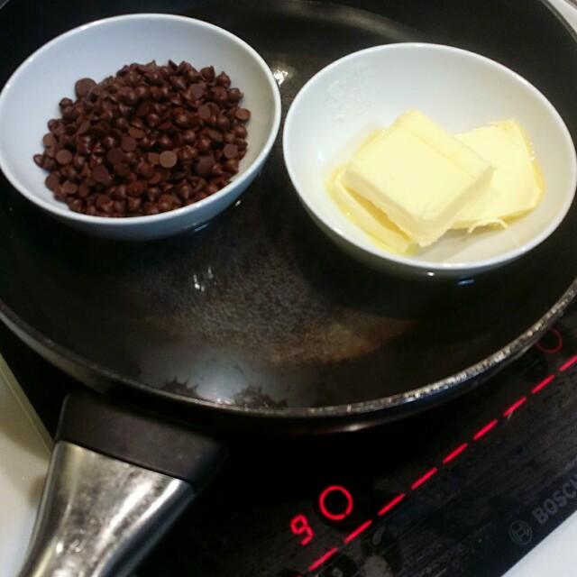 Microwave vegan cinnamon roll
