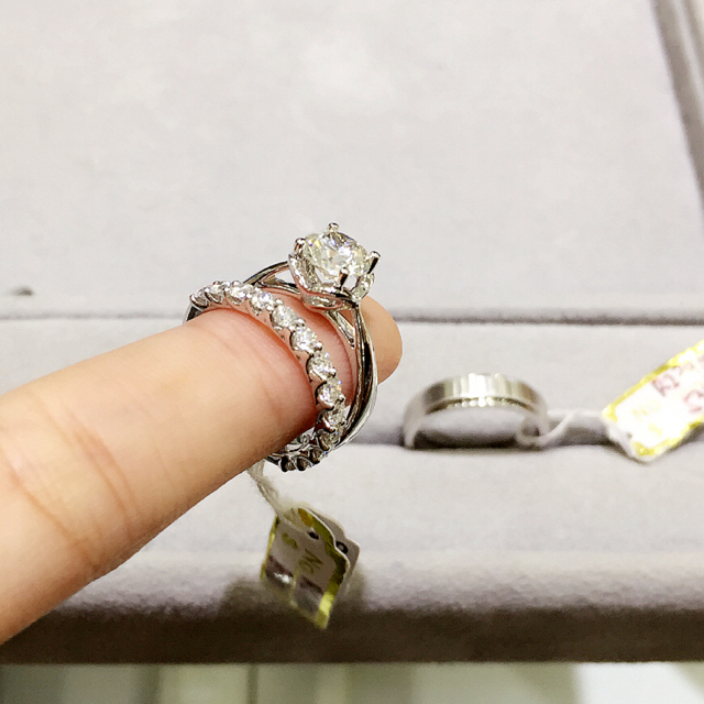 ROM Date / Buying Our Wedding Bands At JannPaul