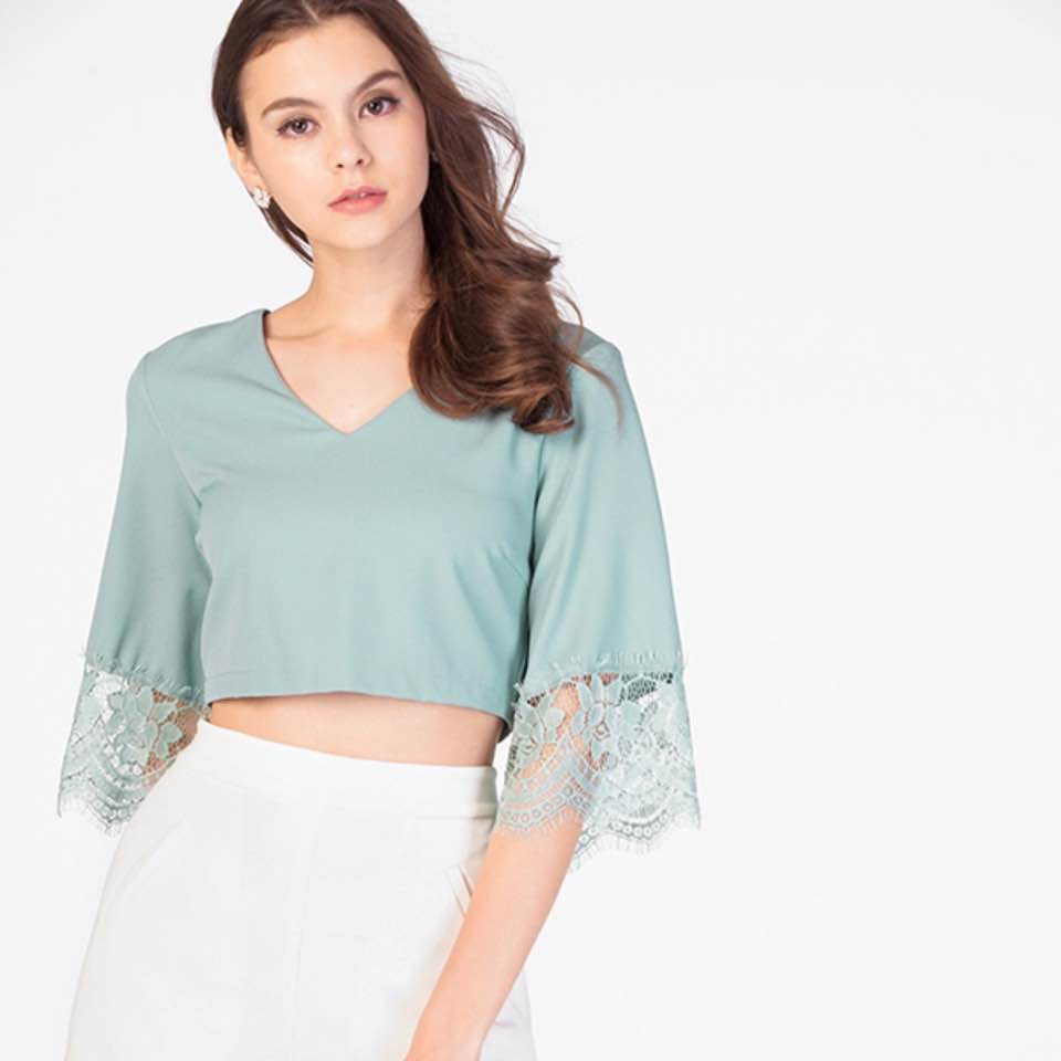 218fc721457ffb #TCL Clover Lace Hem Blouse in Seafoam $15 (RTP: $29.90) tagged size S  brand new but washed! (impulsive buy)