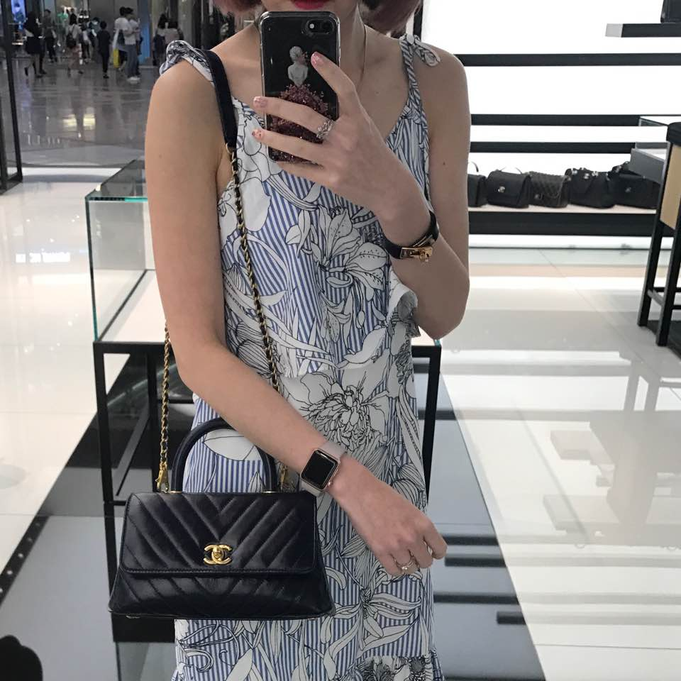 Mini on shoulder. I tried crossbody and it s too short. The handle is  poking my body. SA said no to crossbody for mini. f48f72cf9373d