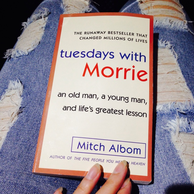 tuesdays with morrie recommendation Tuesdays with morrie is a magical chronicle of their time together, through which mitch shares morrie's lasting gift with the world philosophy religion.