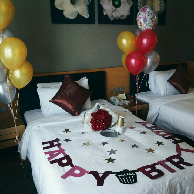 Celebrate Our Queens Birthday Today My Dad Always Say So Three Of Us Decided To Decorate The Hotel Room That We Will Be