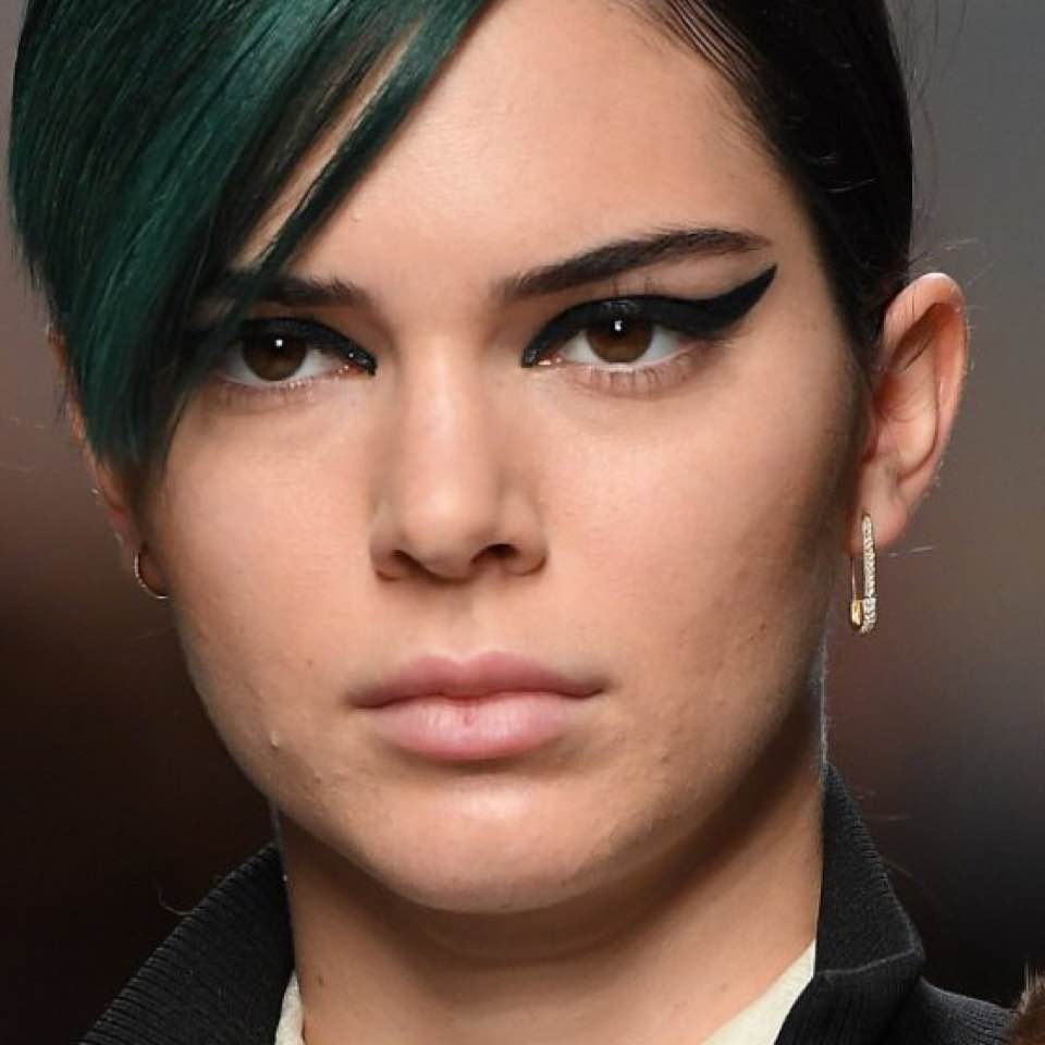 When I Saw This Of Kendal Jenner At The Kaia Gerber Fashion Show Couldn T Help But Feel Like Wow Even Models Have Bad Skin Days Too